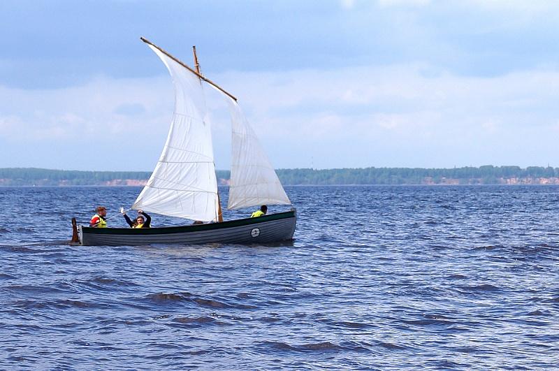 На лодке без весел и паруса